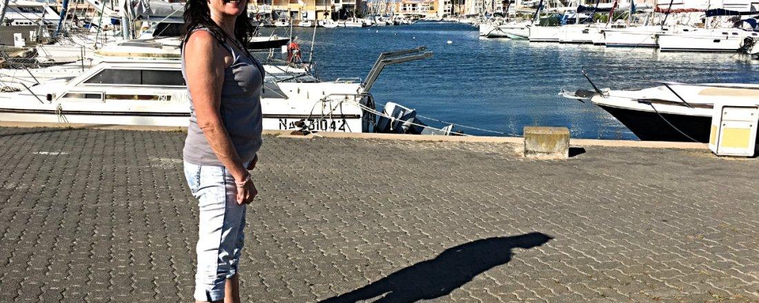 Babsi im Hafen von St. Tropez