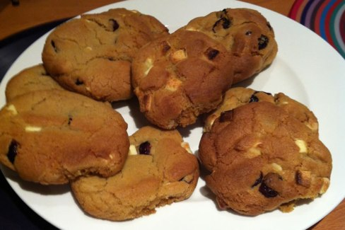 Sticky Mix White Chocolate & Cranberry Cookies