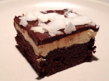 An iced brownie: delicious!