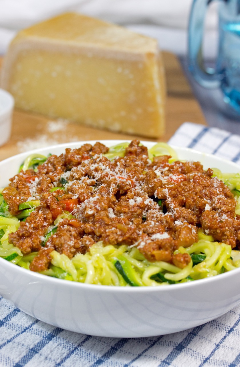 Zucchini Noodles with Bolognese Sauce (Zoodles)