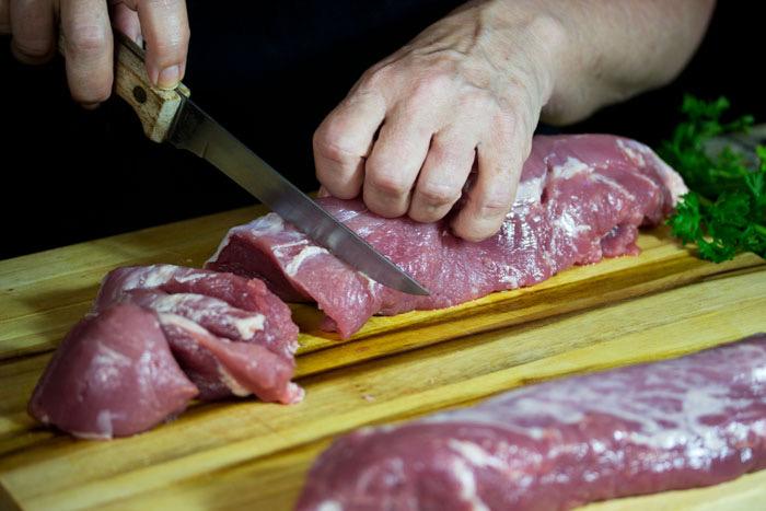 How to slice pork tenderloin