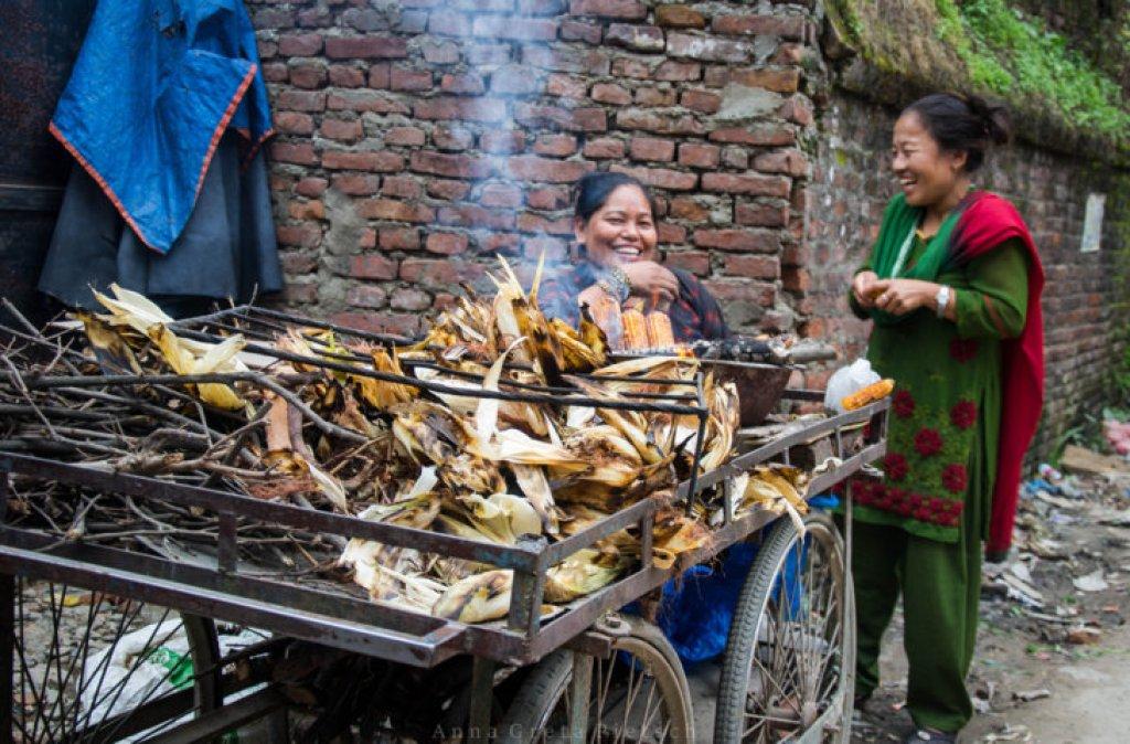 gegrillter_mais_nepal