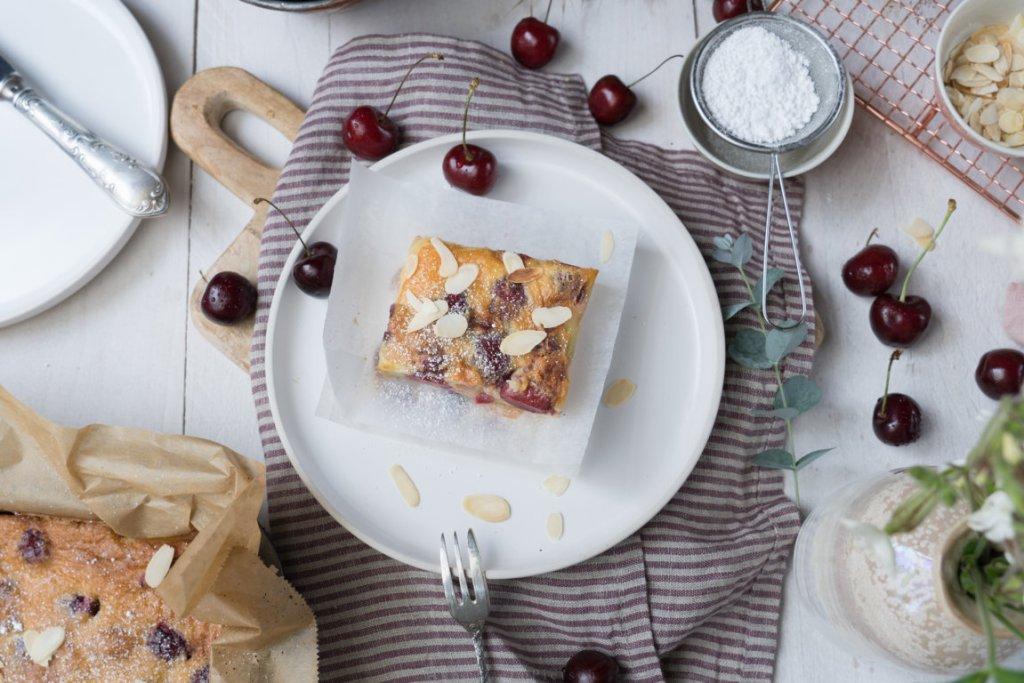 Clafoutis mit Kirschen schmeckt nach Sommer!
