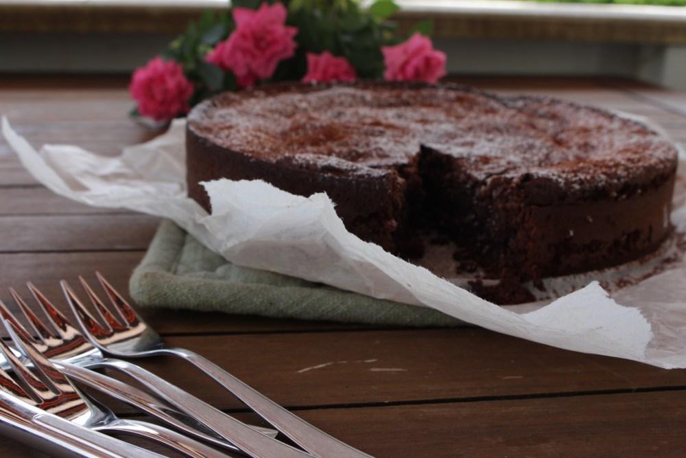 sjokoladekake og gulrotbrød 016