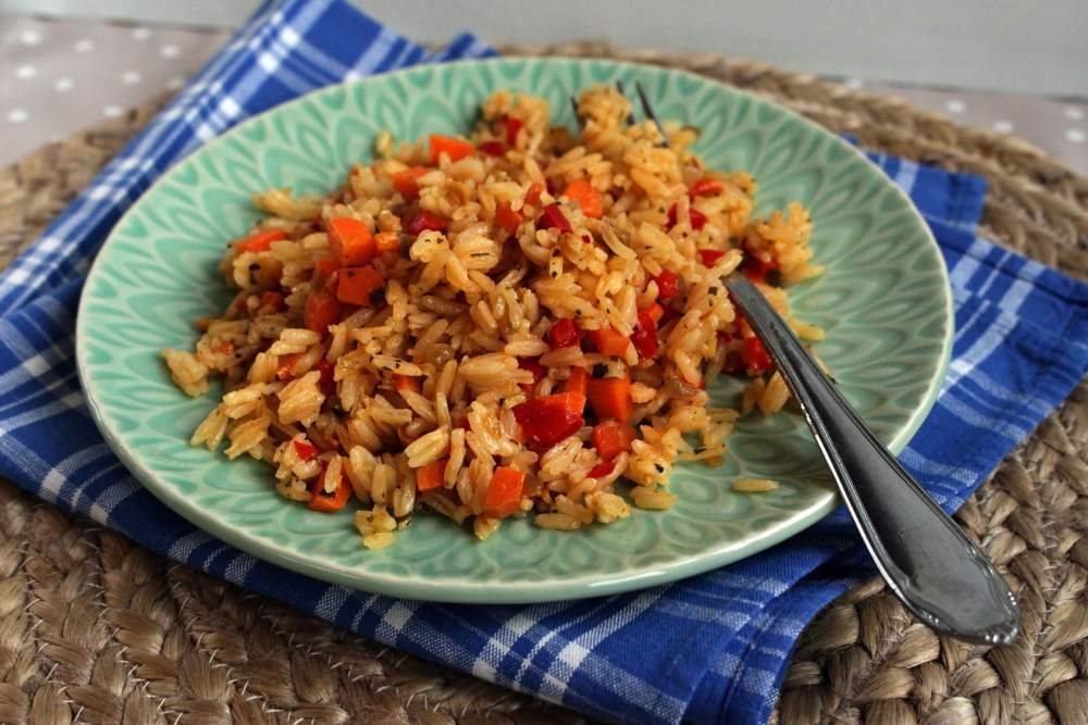 Heit ris med asiatiske smaker