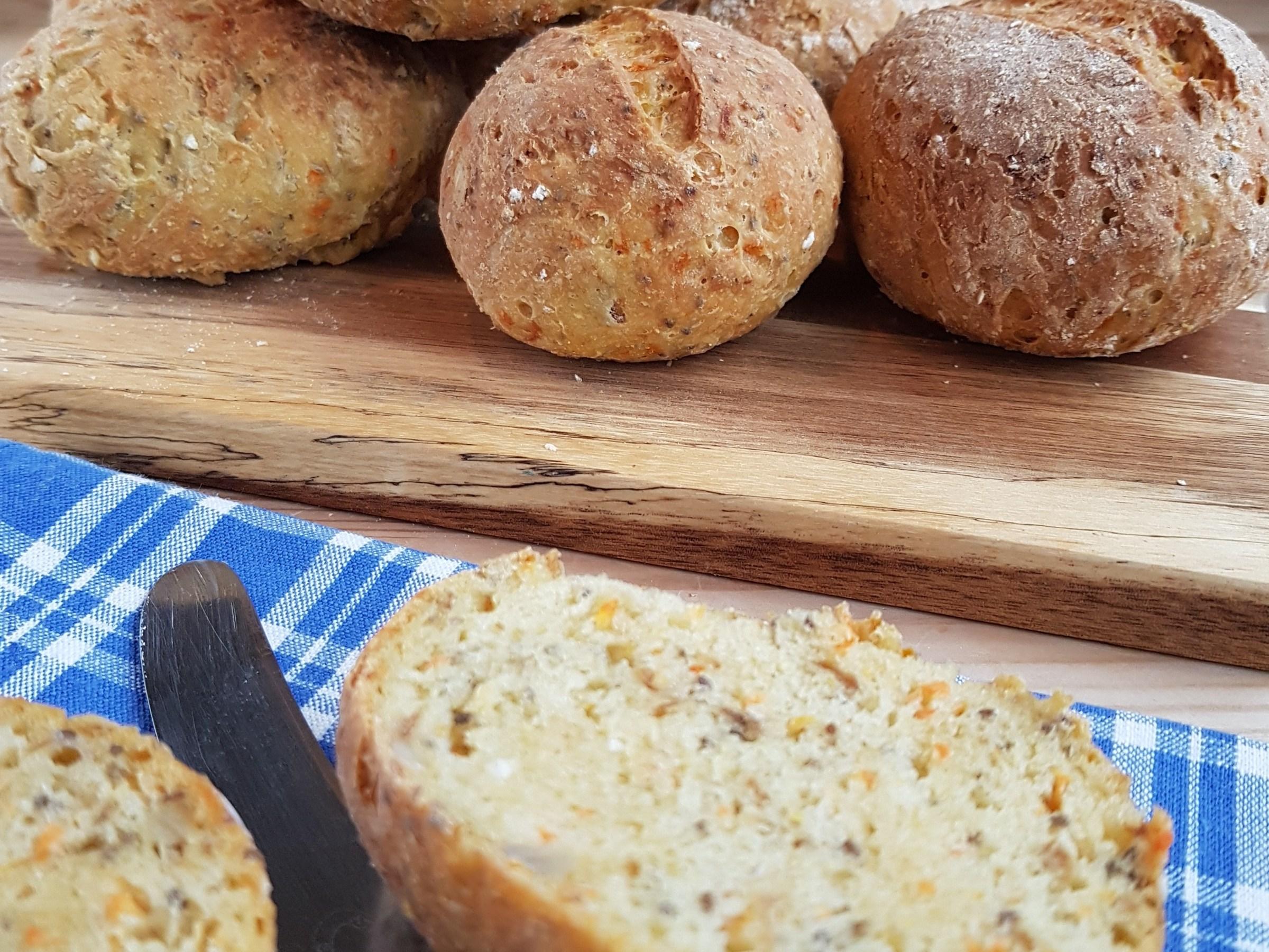 Glutenfrie rundstykker med gulrot
