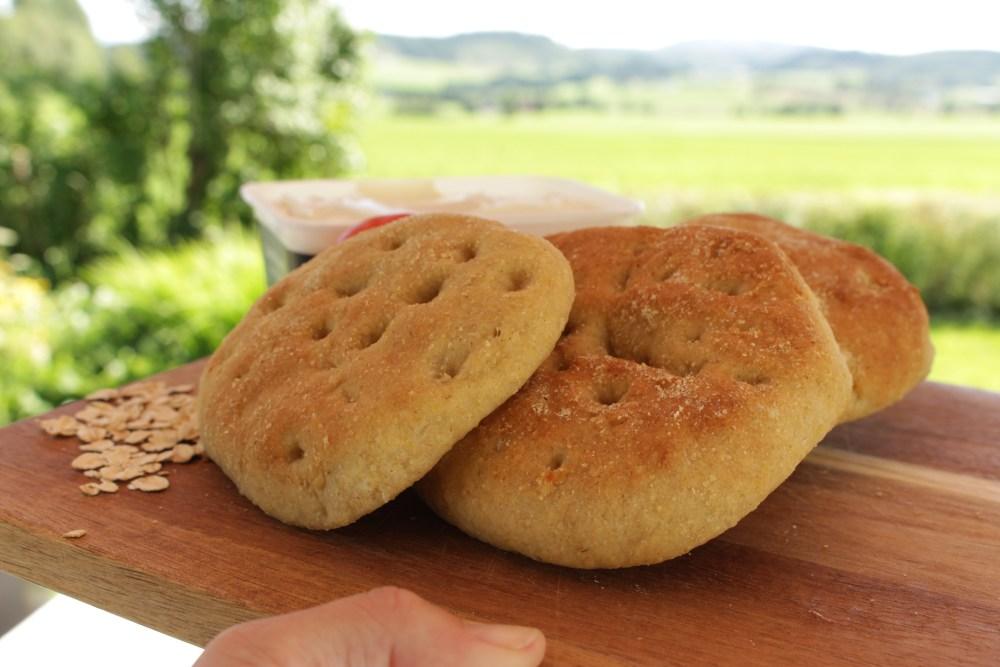 Glutenfrie polarbrød med olivenolje og havre