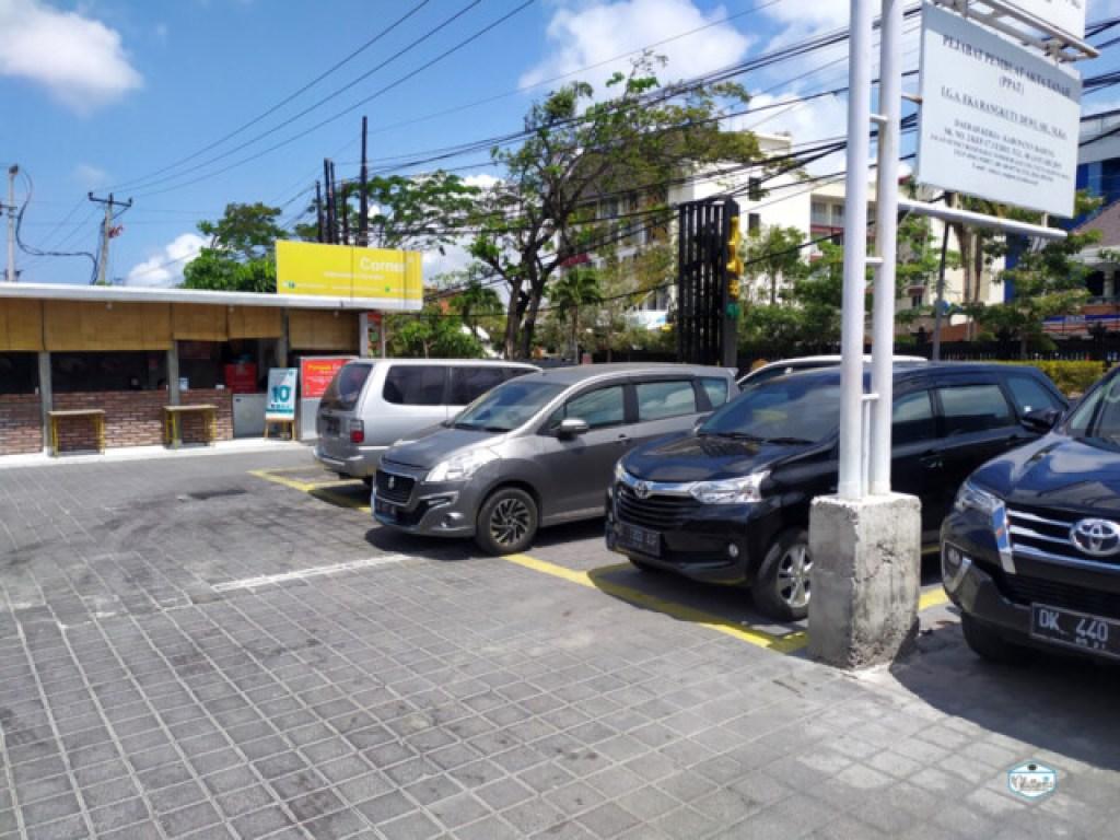 Parkir Mobil