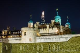 """""""The Shard"""" caché derrière La Tour de Londres"""