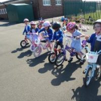 Reception learn to ride !