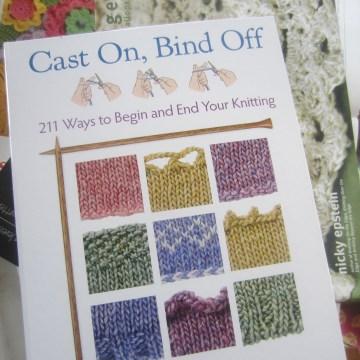 black, grey, knit, cowl, bind-off, crochet, edging 004