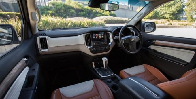 2016 Chevrolet Trailblazer Premier Show Car interior 003