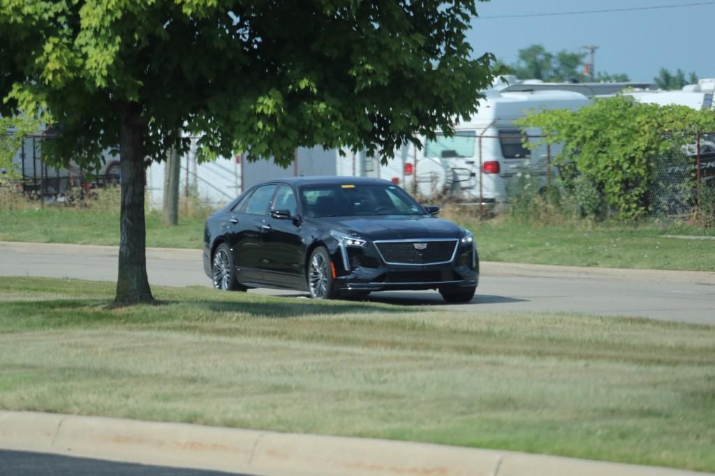 2019 Cadillac CT6 Sport 3.0L TT V6 - Black Raven GBA exterior - July 2018 003