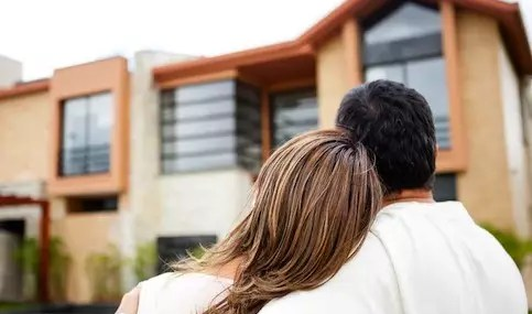 Want advice on buying a home, renting, default, foreclosure avoidance, credit issues or reverse mortgages? HUD sponsors housing counseling agencies throughout the country to provide free or low cost advice. Search online for a housing counseling agency near you, or call HUD's interactive voice system at: (800) 569-4287.
