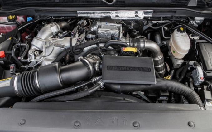 2019 GMC 2500HD Engine