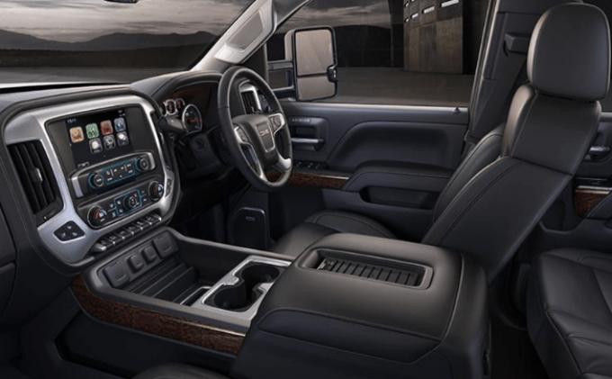 2019 GMC 3500 Diesel Interior