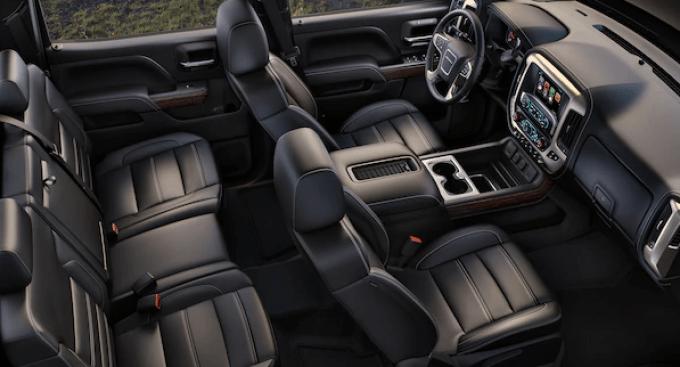 2019 GMC 4500 Interior
