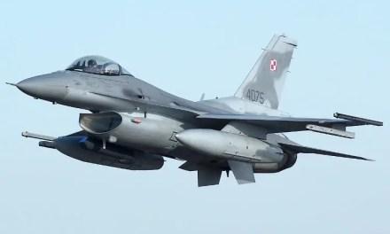 31 Baza Lotnictwa w Krzesinach – 100 osób na kwarantannie – 16 zakażonych.