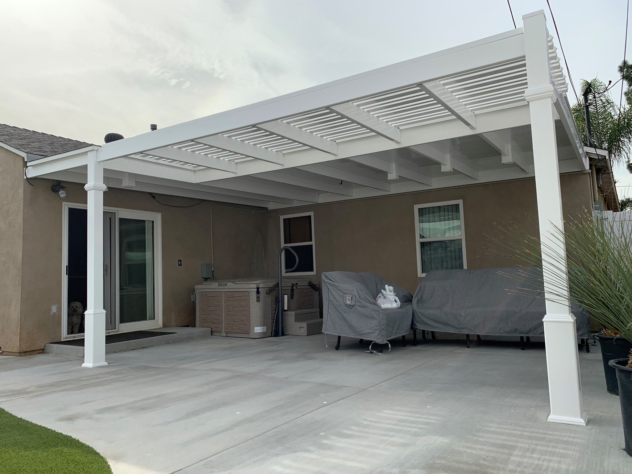 patio cover with small hot tub gng