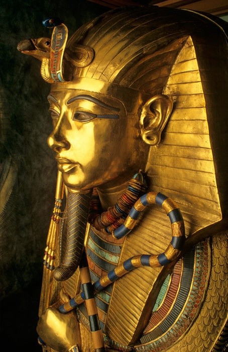 forehead_of_Tutankhamen