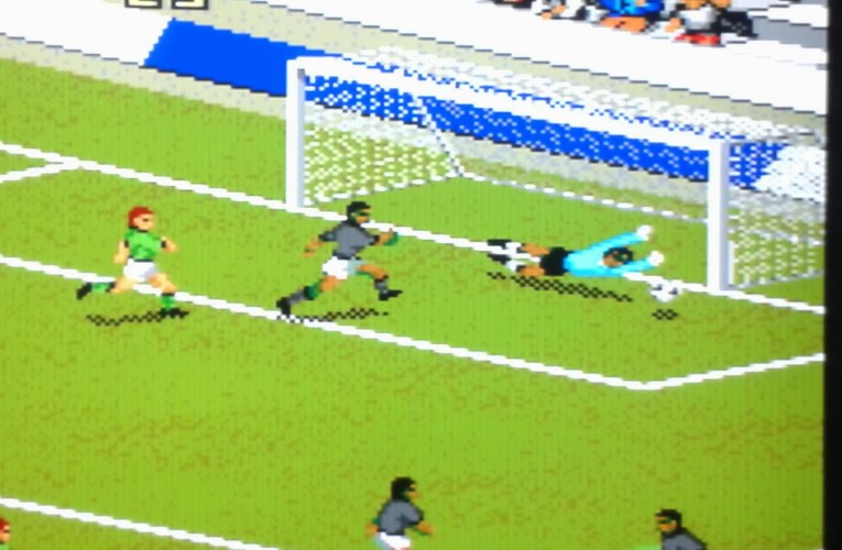 FIFA International Soccer (1993) ¡El inicio de una saga!
