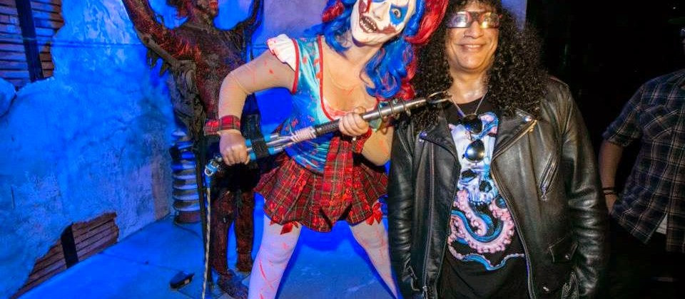 slash stops by la scare panel to discuss halloween horror nights