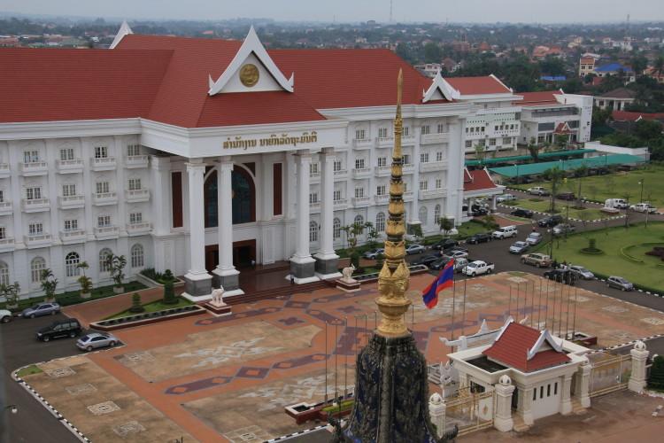 October 17, 2011 Monday Ha Noi to Vientiane.