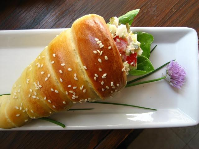 Photo of أقماع الخبز المحشو