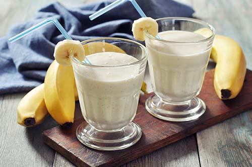 عصير الموز بالزبادي