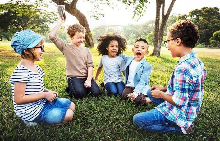 مساعدة الطفل على تكوين صداقات