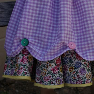 detail of the apron hem scallops