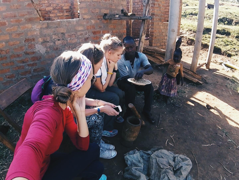 Sipi, Uganda- taking a coffee tour