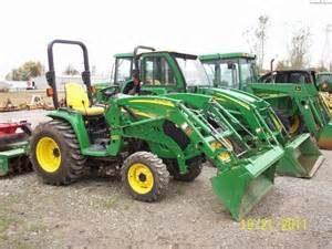 Tractor Rental in Effingham at Effingham Builders Supply