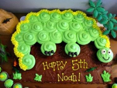 noah-cupcake-dino