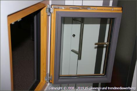 Fenster aus Holz, Kunststoff oder Alu