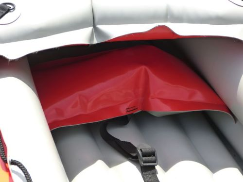 Adjustable inflatable foot rest
