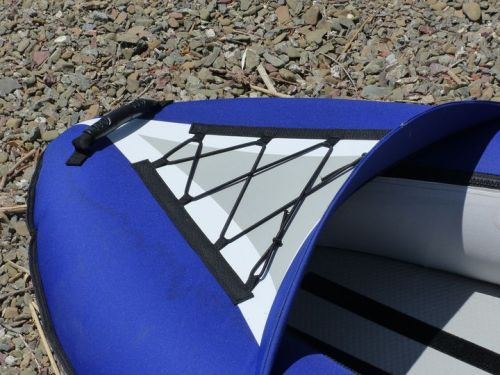 Front splash deck with bungee deck lacing