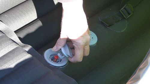 Replacing the valve cap.
