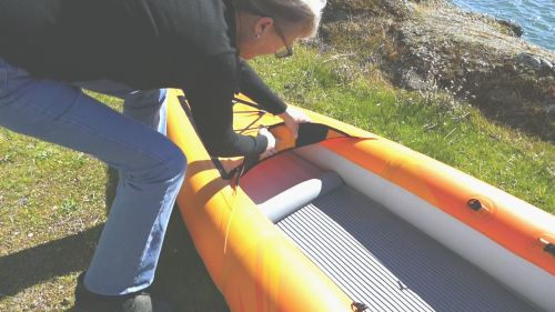 Installing the deck riser insert