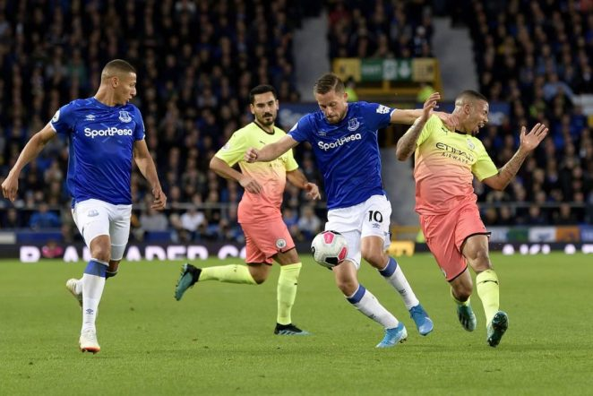 Everton host Manchester city