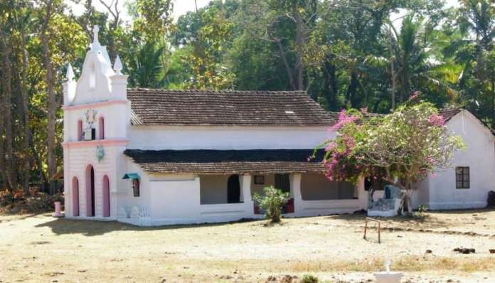 st.anthonys-church-cabo-de-rama-fort-south-goa