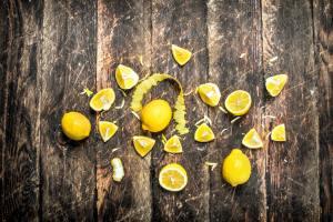 Fresh lemons with zest.