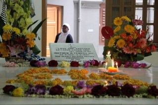 Visiting Mother Teresa's House in Kolkata