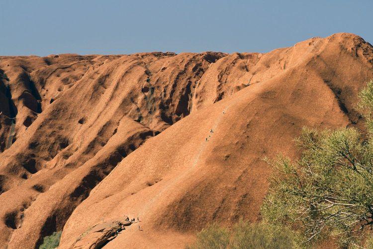 alternatives to climbing uluru
