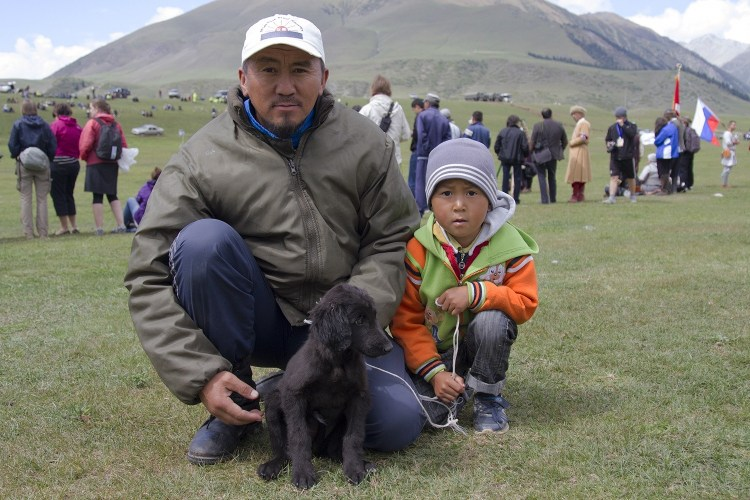 Murat, his son and the beautiful little Taigan puppy.