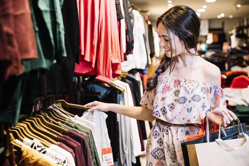 Como atrair mais clientes: 7 formas para aumentar o fluxo de lojas físicas