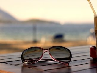 Tantilizing titles eyeglasses fashion by Ana_J