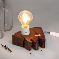 Salvaged, dark wood table lamp with light butterfly joint - Diamond filament