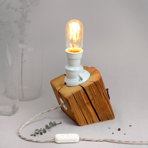 Oblique barn beam table lamp, with vintage porcelain socket - Edison style T45