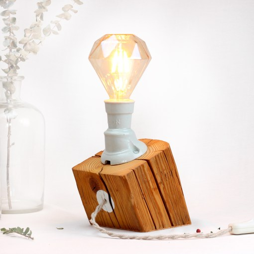 Oblique barn beam table lamp, with vintage porcelain socket - Diamond filament
